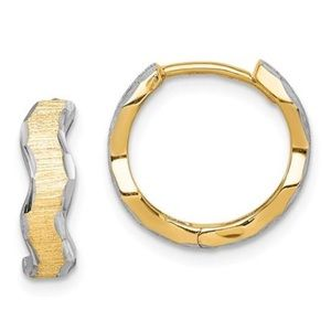Jewelry - 14K Gold Wave Hoop Earrings